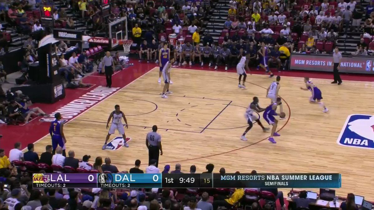 Lonzo is money on his first shot in the @NBASummerLeague Semifinals! https://t.co/Blzq0T8tpe