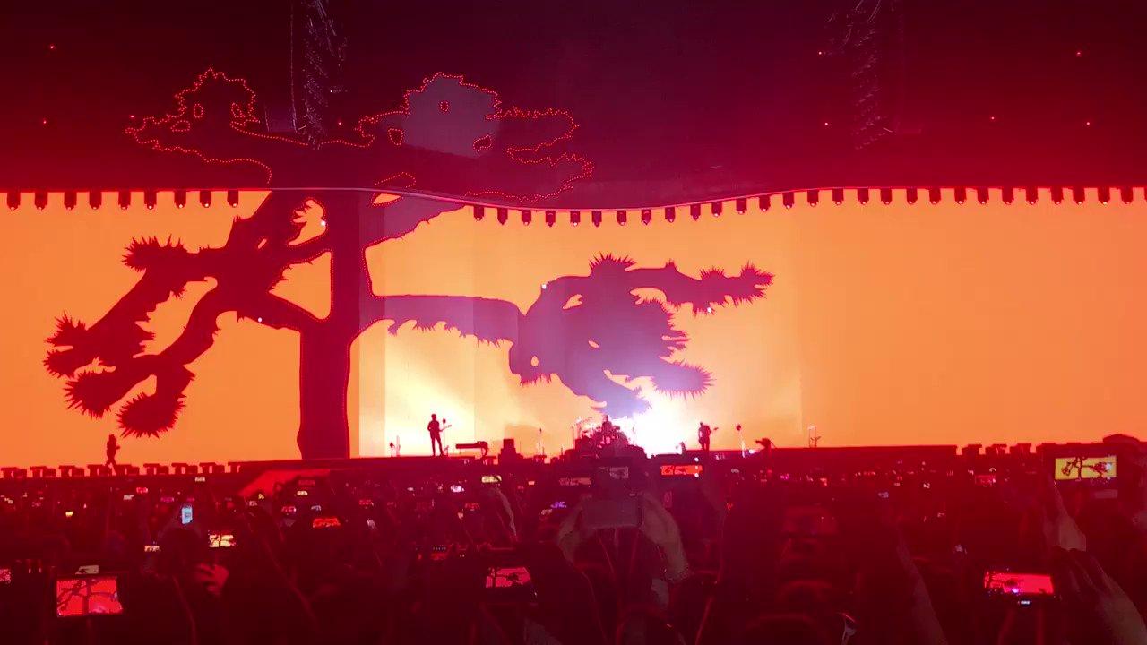 Que increíble U2 #U2JoshuaTreeTour2017 https://t.co/BvxPsKC9VL