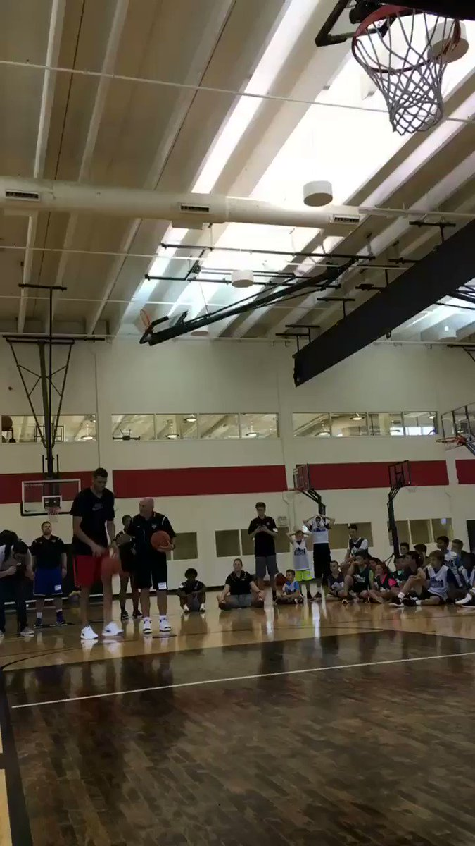 Coach Rick wins the coaches game of knockout against @50Mejri! Time to head out!! https://t.co/3b8FN43AYS