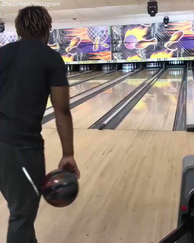 LSU running back Derrius Guice does not play around when it comes to his bowling form. 😂 #SCtop10
