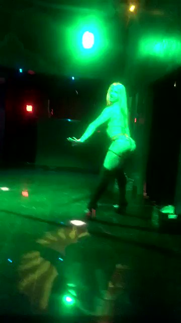 Me and my sexy friends shaking our asses. Only on my premium Snapchat 😈 https://t.co/y9KWkse3pB https://t