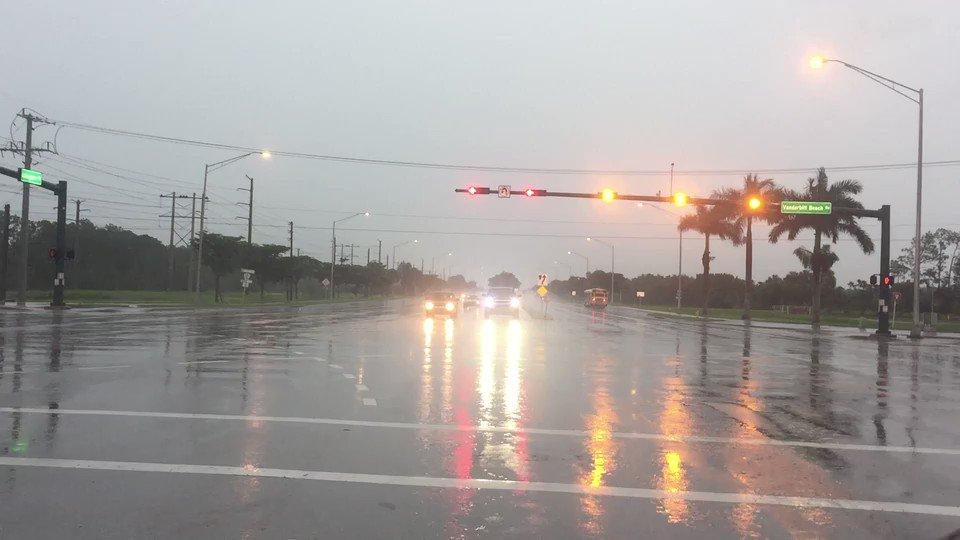 RT @USATODAY: Tropical Storm #Emily also brings heavy rain to North Naples. https://t.co/KPvnx9rNrW https://t.co/XfDvBqfIwY