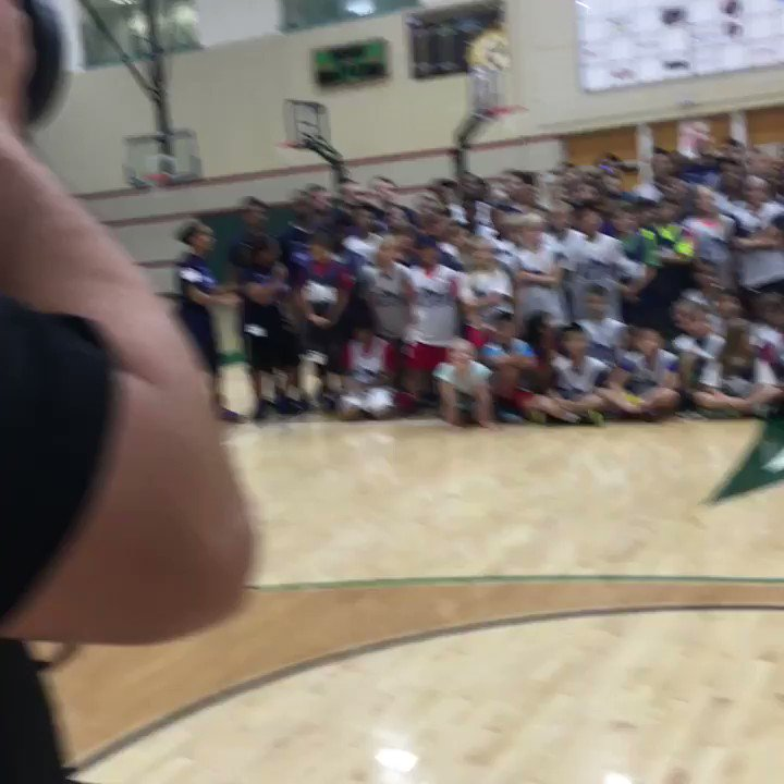 Over 180 campers here at UTD Hoop Camp presented by @Academy!! ������ time with @Dev34Harris!! https://t.co/HUFFRZ02XC