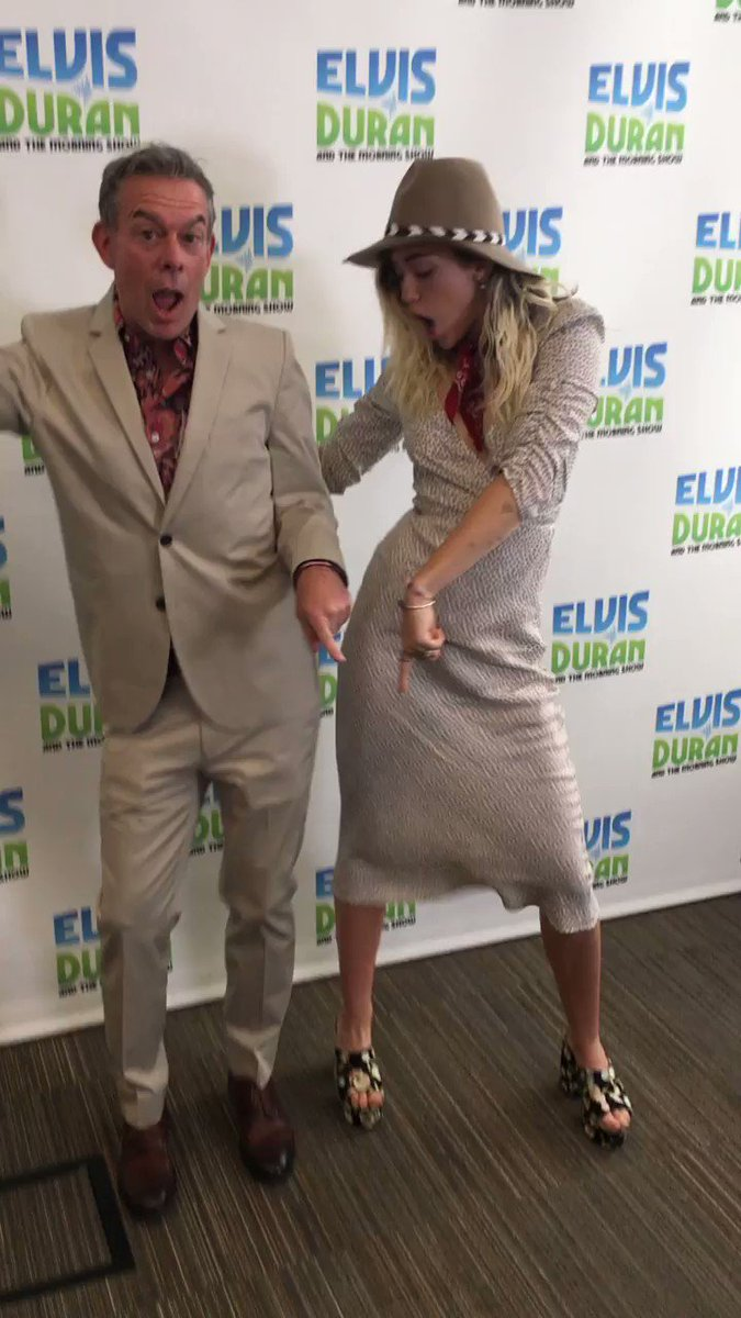 wishing my uncle @elvisduran the happiest bday ! Love and miss u ! https://t.co/UlT9b4mmoz