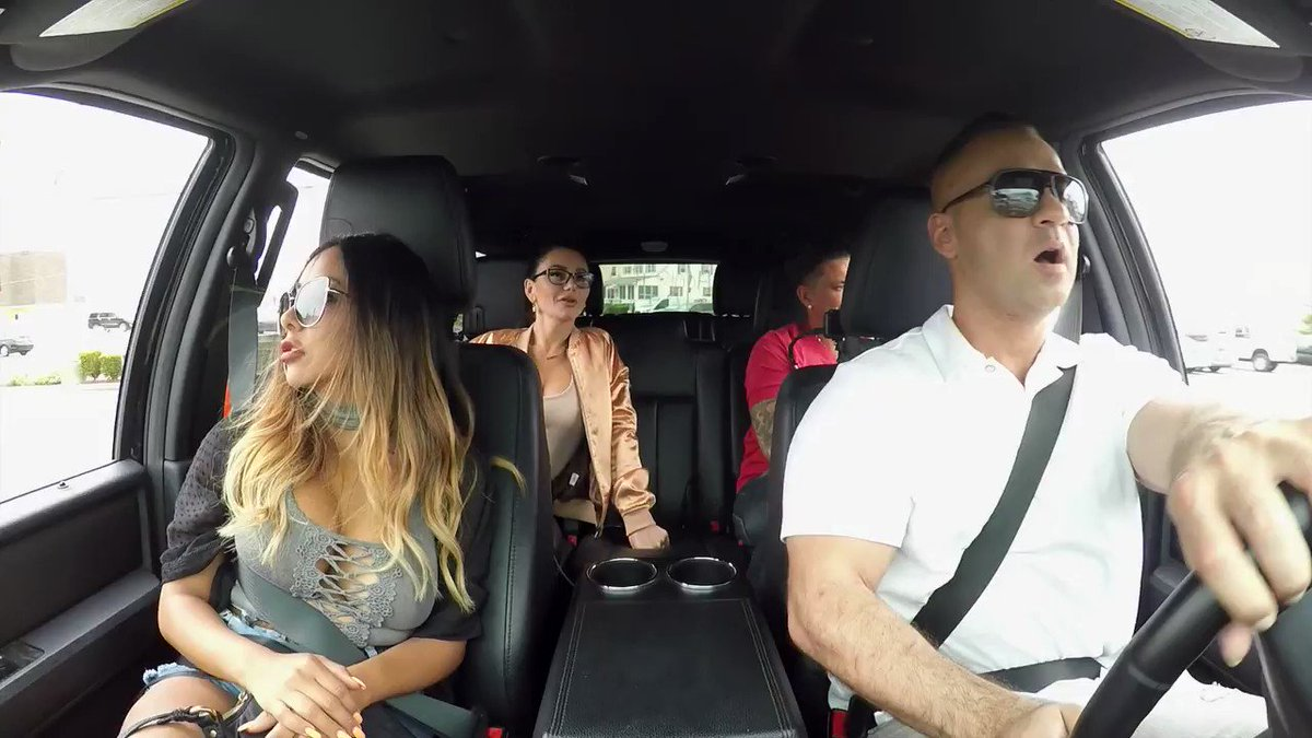 The 'Jersey Shore' squad is back �� https://t.co/Q9eAoVbYsF