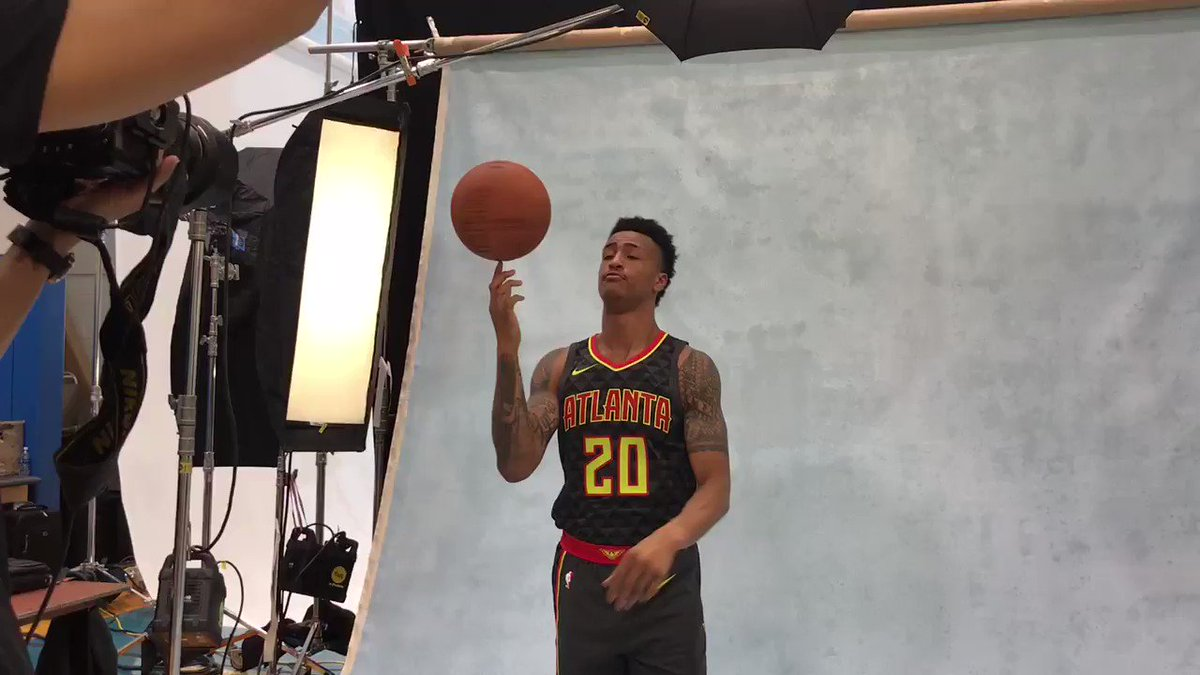 True to Atlanta... @jcollins20_ of the @ATLHawks! #PaniniNBARookie https://t.co/x8S0cPRzbc