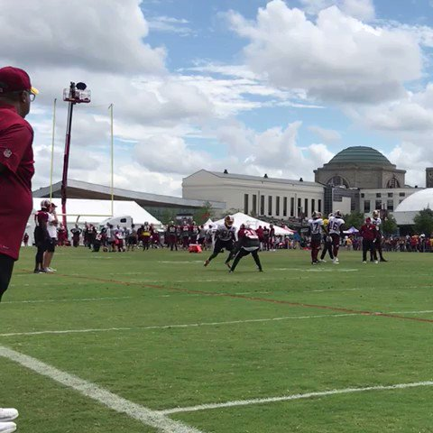 Crowder vs. Holsey. #HTTR #SkinsCamp https://t.co/oeIxy6IPEU