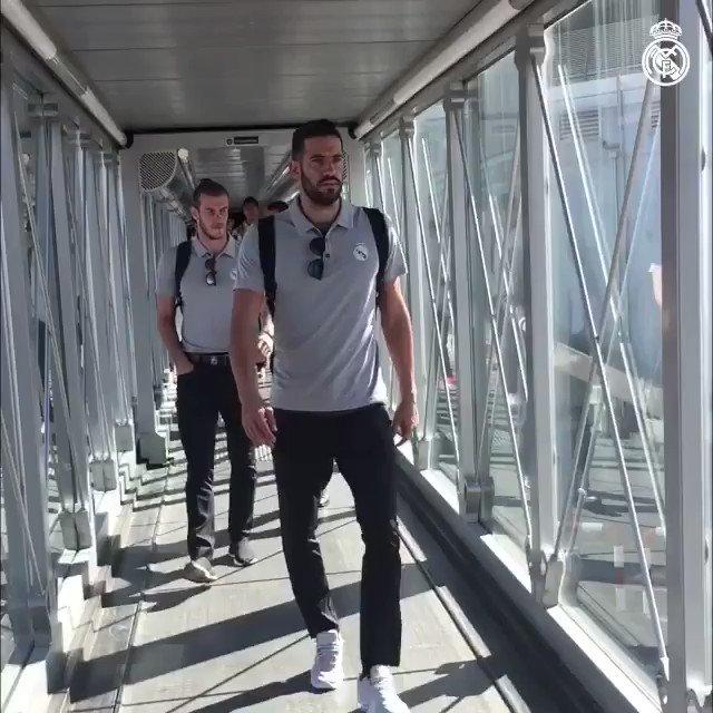✈️���� #RMSupercopa ¡Rumbo a Barcelona! We're off to Barcelona! #HalaMadrid https://t.co/aLKZo0vMzK