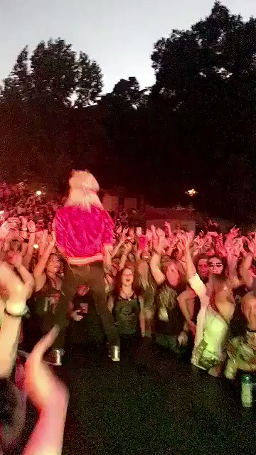 80s METAL NIGHT ⚡️ #CampMars https://t.co/sXCeR2301e