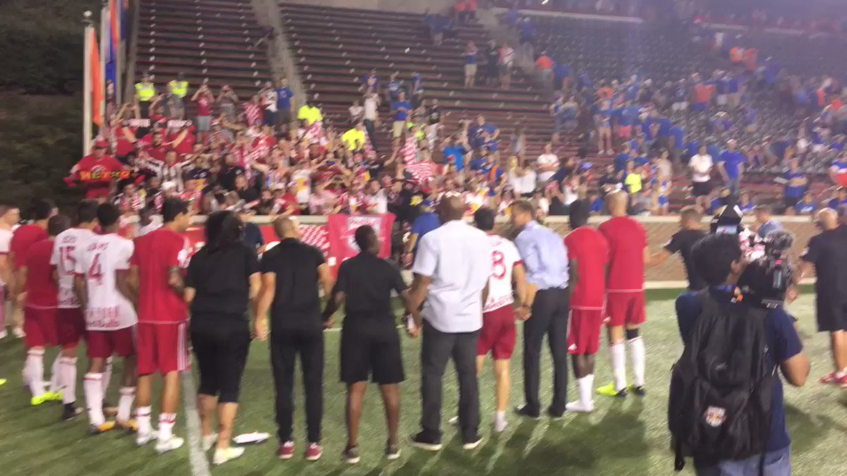 RT @opencup: #USOC2017 Finalists @NewYorkRedBulls salute the traveling support here in Cincy! #RBNY 🏆⚽️ https://t.co/uRlGMmCHaK