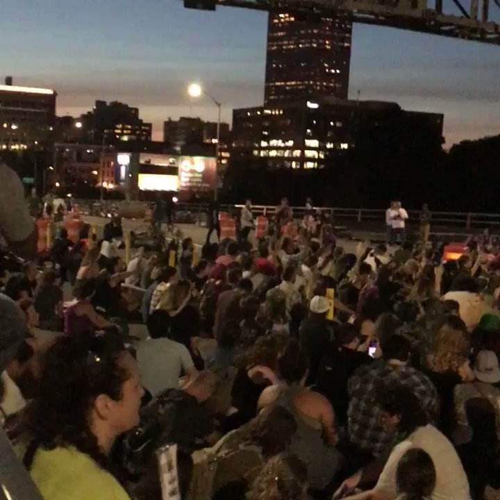 RT @photocorry: 4 minutes of silence being observed right now on the Morrison bridge. 856pm #LiveOnK2 #Portland https://t.co/wdxTt9WhaQ