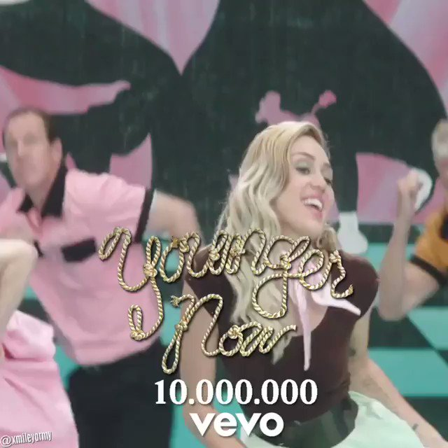 10 mil in 2 days! #YoungerNow video and single out everywhere! https://t.co/jwwy49AUMM https://t.co/KsDnJu1Vnd