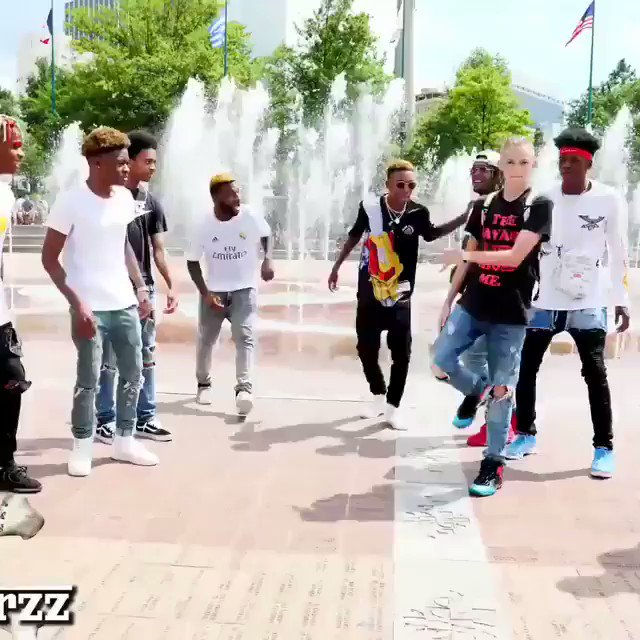 See how easy it is for blacks and whites to get along!! #DANCEANDSTOPHATING https://t.co/GdqM6VM0bZ