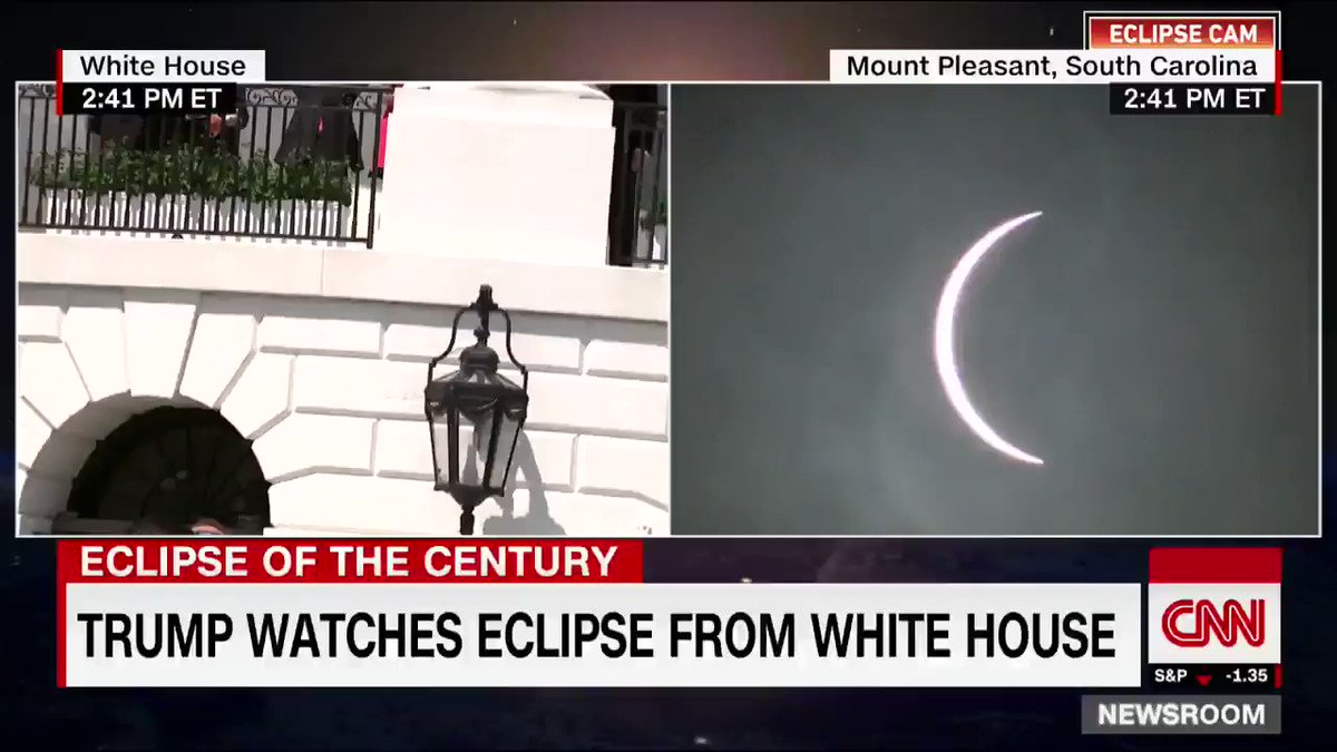 President Trump and first lady Melania Trump watched #SolarEclipse2017 from the White House https://t.co/3OLuq19CCL https://t.co/HRGkm5RKK5