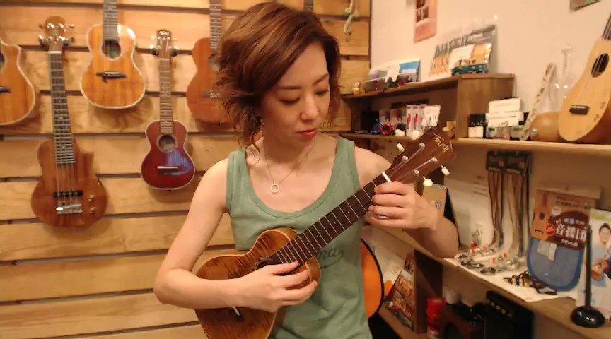 Newウクレレ買ったので、天空の城ラピュタ「君をのせて」を弾いてみました(*^^*)