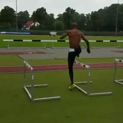 Damos un poco de caña al cuerpo... imprescindible una buena técnica de carrera. https://t.co/6P0EXwxinN