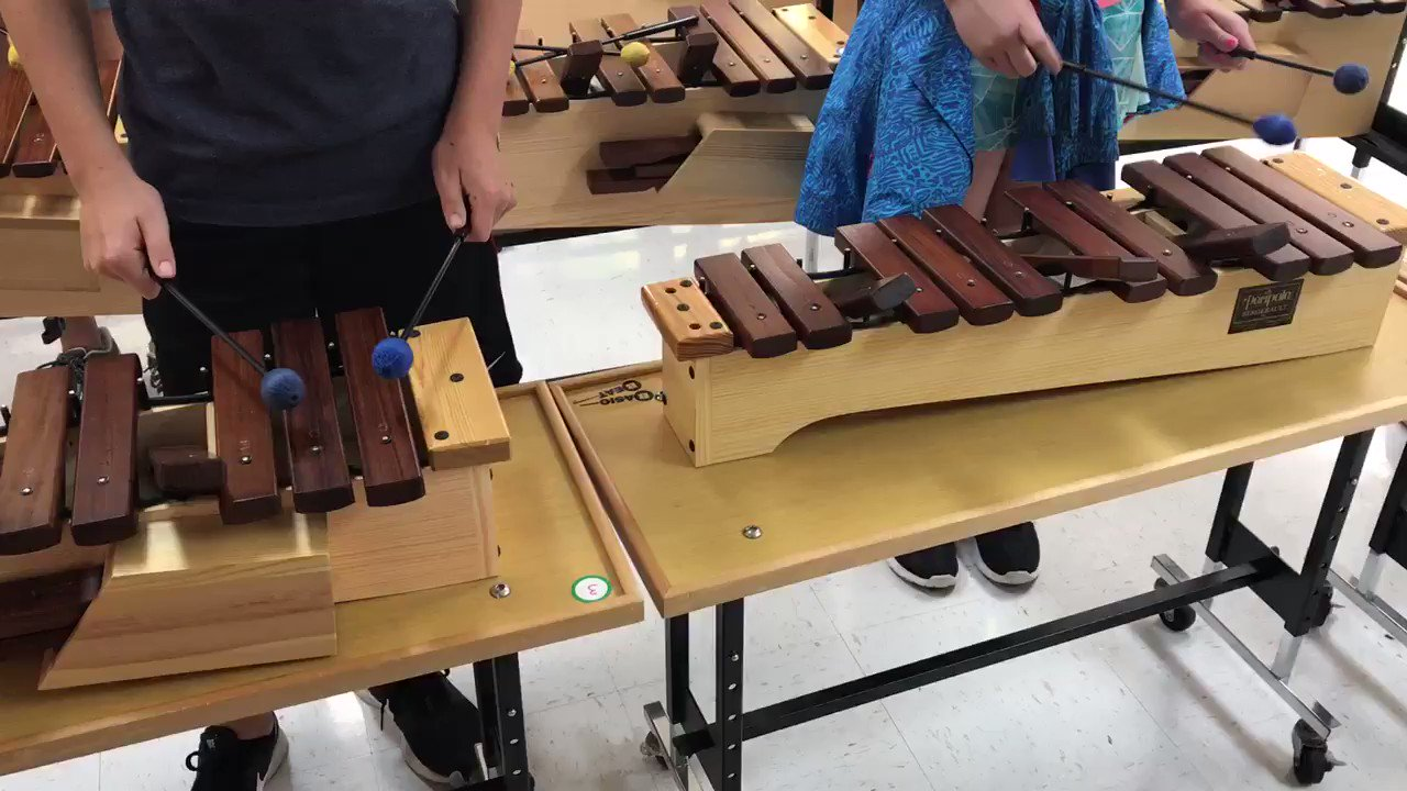 5th gr. Ss used a poem to jump start their melodic improvisations on the barred instruments. #wgbuzz https://t.co/DIIv74HFmB