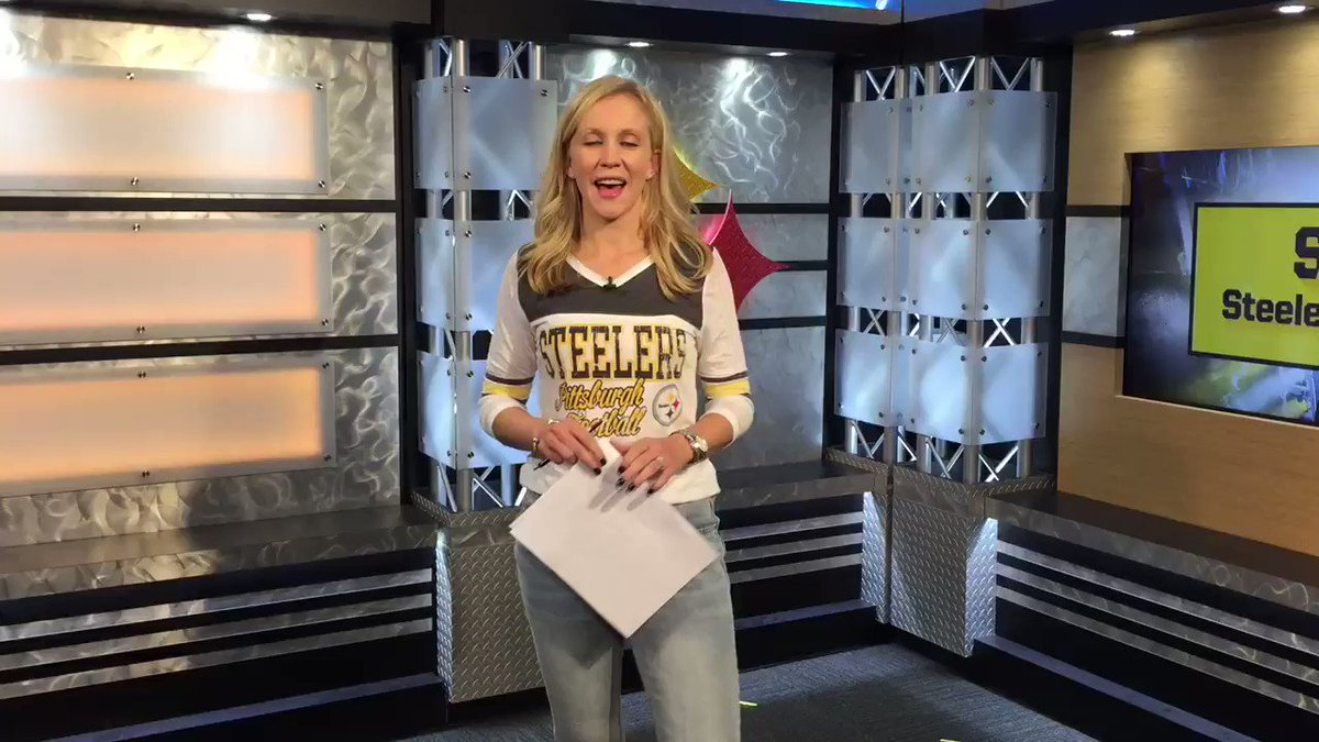Happy #Steelers Friday!   Start your weekend with us on #SteelersLive at 4pm!   WATCH LIVE: https://t.co/8aEYxrfyKf https://t.co/jAzG6qmxNj