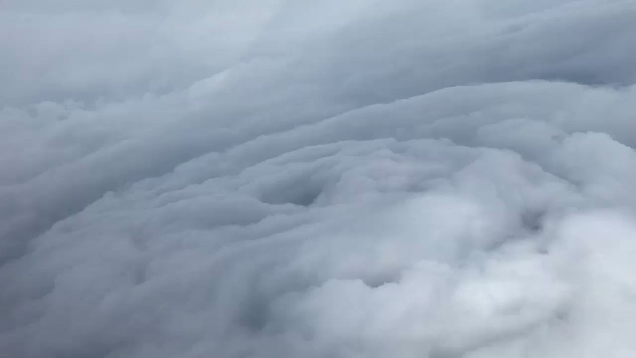 Incredible view of #hurricaneirma from #ReserveCitizenAirmen Capt. Phil Blancher. @USAFReserve Hurricane Hunters will fly 'til landfall. https://t.co/Fi7ngJSjli