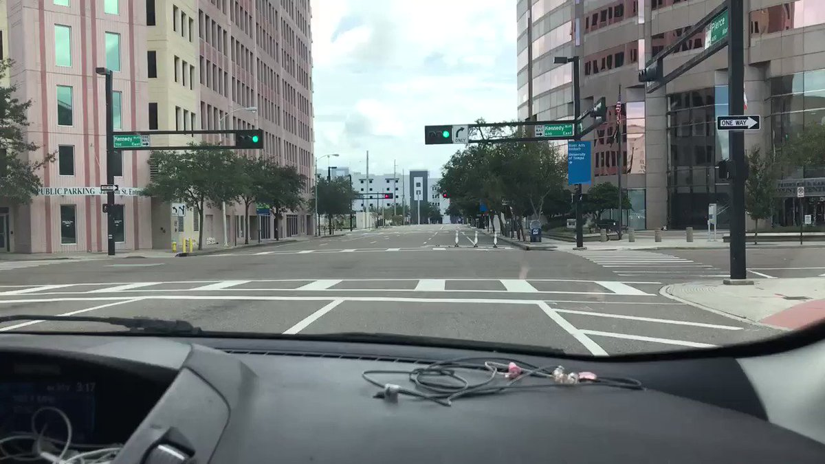 RT @CStewartWPTV: #Tampa is a ghost town. #HurrcaneIrma https://t.co/H2TMYZeZQf