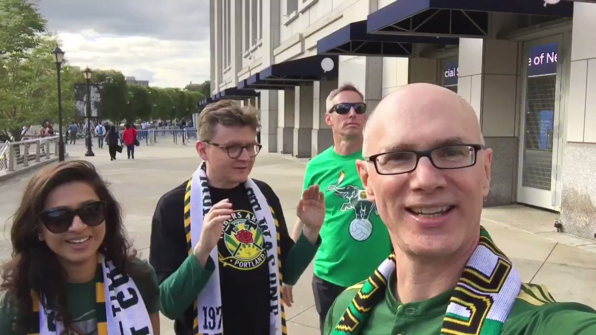 RT @kpduck: With @timbersarmy @TAEastCoast @GothamCompany peeps for our 3 points! @TimbersFC #RCTID https://t.co/4WqlOmYACb