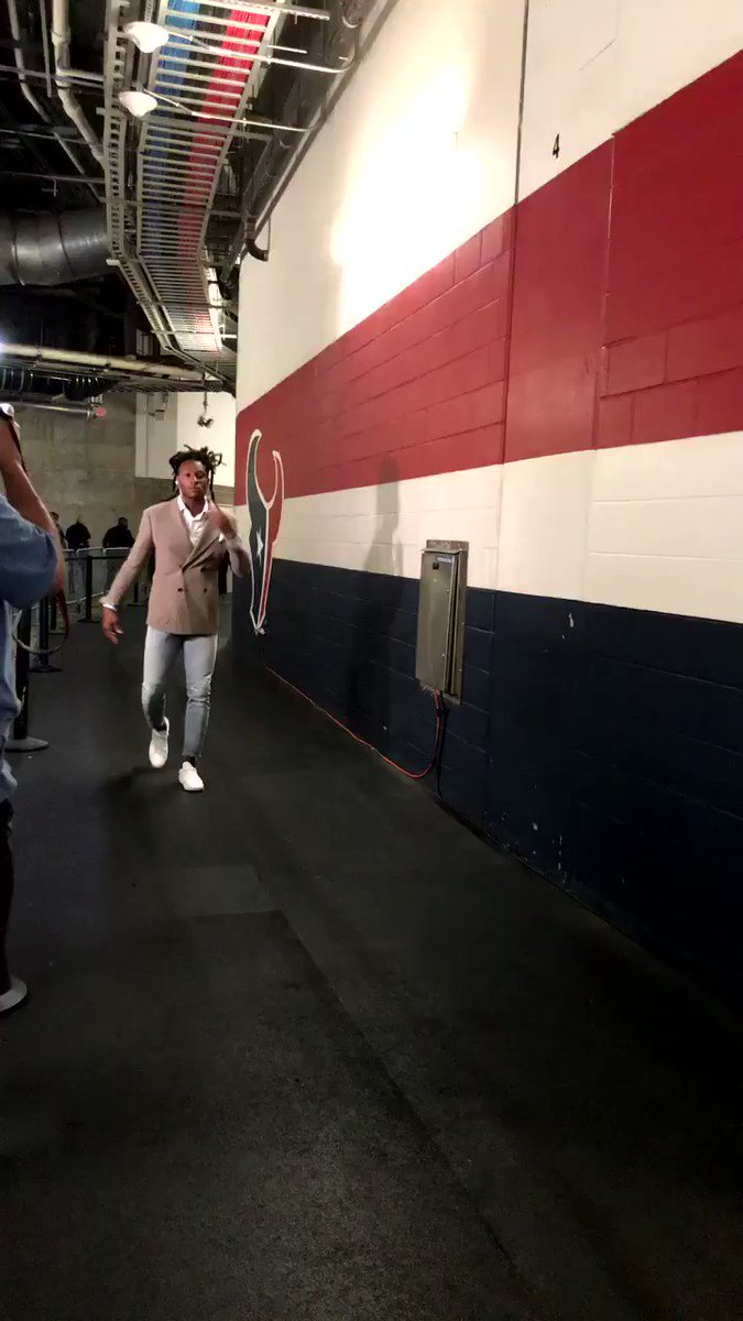 Hey @DeAndreHopkins - Peep dem kicks �� #TexansGameday https://t.co/qn3FPLhOqE