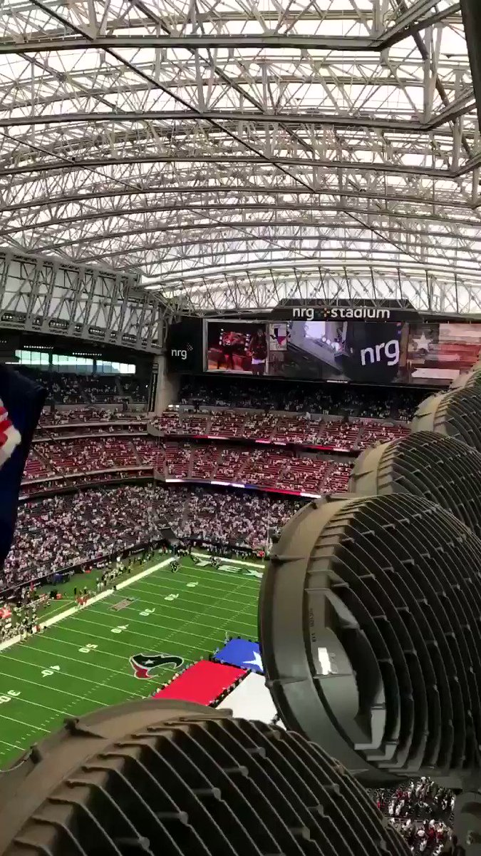 Nothing can stop us, we're all the way ��   #HoustonStrong https://t.co/4giHDdo8hp