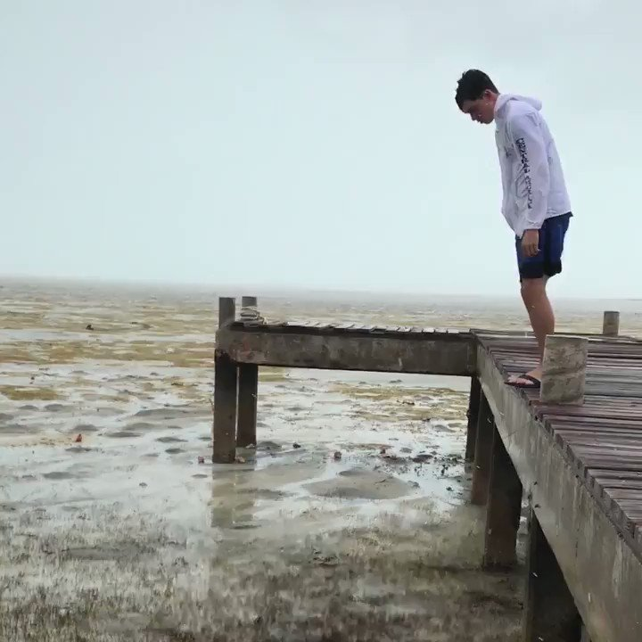 An ocean used to be here. #HurricaneIrma stole it away. https://t.co/rxNVLBvrho https://t.co/jfW2uL1osy
