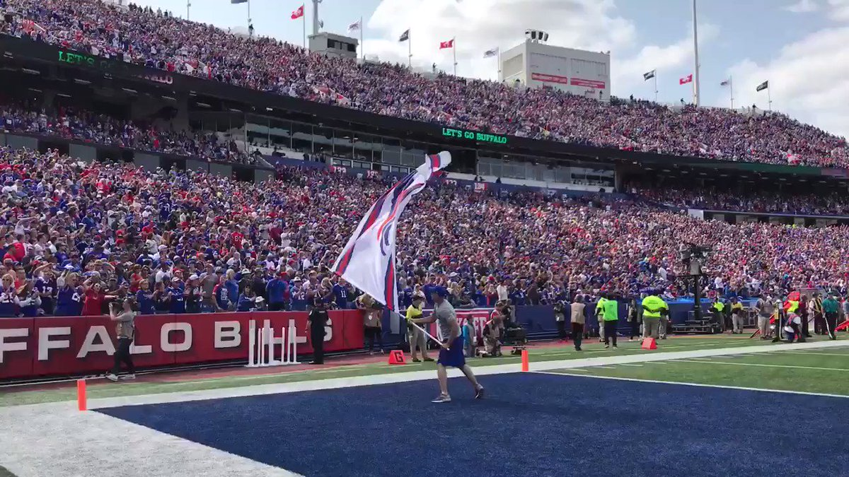 When you hear the Shout Song for the first time in 2017. #GoBills https://t.co/axRqUBRhoa
