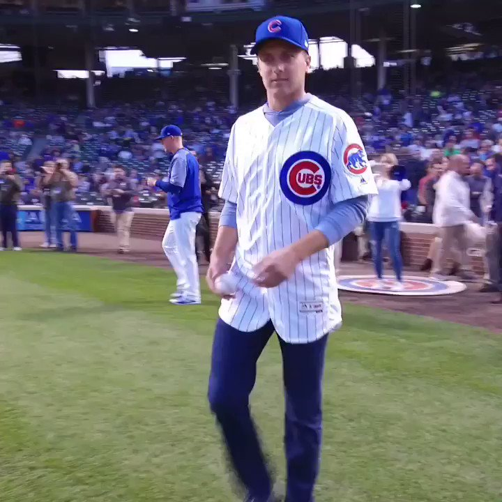1st in the #FedExCup. ⛳️ 1st pitch at the @Cubs game. ⚾️  @JordanSpieth bringing the heat. �� https://t.co/ztjRH6Qpc7