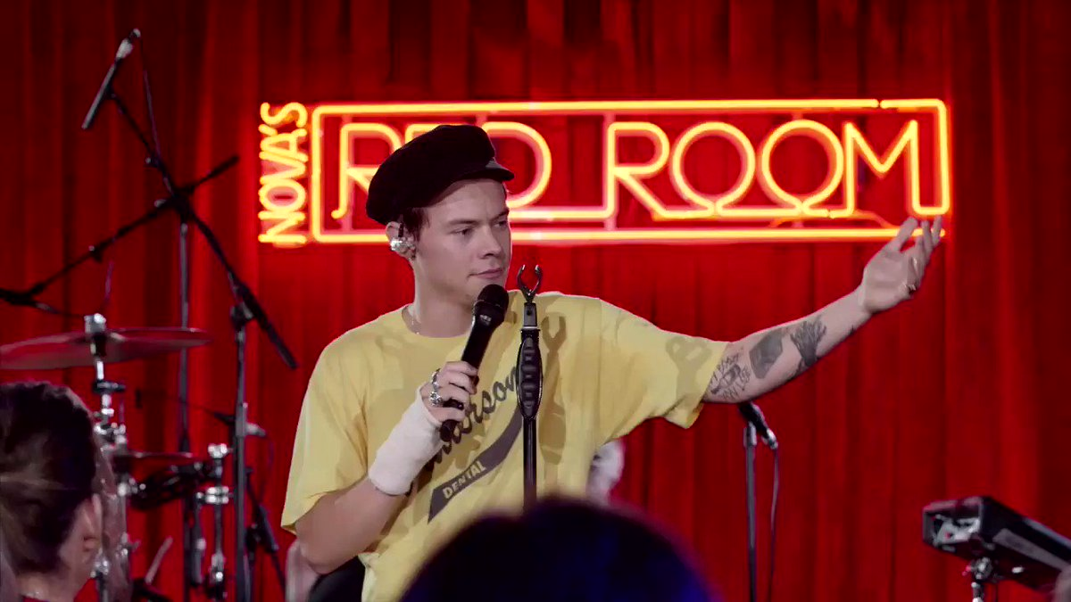 Thanks for being such a legend in #NovasRedRoom @Harry_Styles   #SmallzysSurgery �� https://t.co/FVVPjAobgl