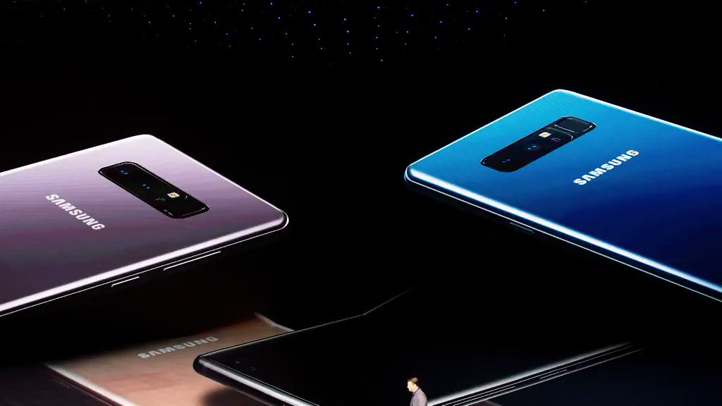 Samsung wants to release a folding smartphone in 2018 https://t.co/oK5qnl3GEl https://t.co/JEON2lPeEN