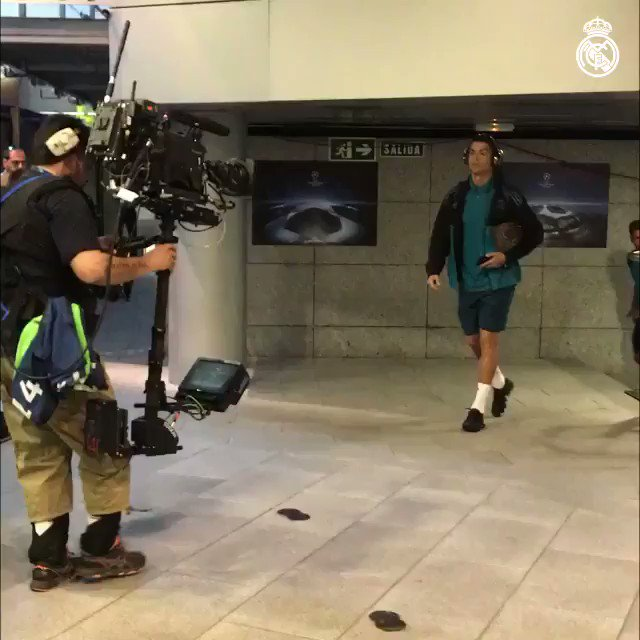 ������ #RMUCL ¡Los CAMPEONES han llegado! The CHAMPIONS are here! https://t.co/2912IIlb9d