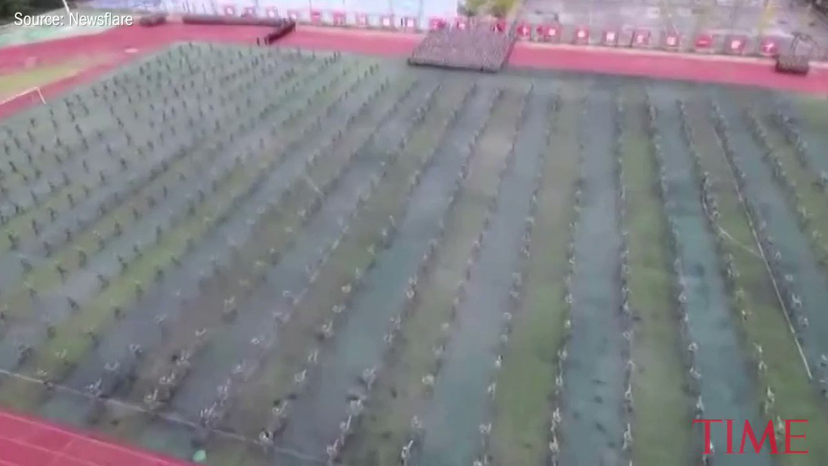 Watch as these Chinese military students form a human map of China https://t.co/KJSIs4B7sV