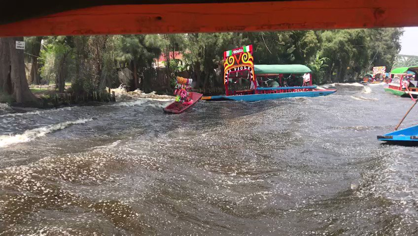 ▶️ VIDEO: Así se vivió el #sismo en #Xochimilco #TemblorCdMx #CDMX https://t.co/Pny6um6S28 https://t.co/Fl1gJ4HrK7