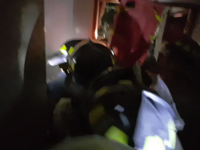 Rescatan a 2 personas de edificio derrumbado en Álvaro Obregón  #MINUTOAMINUTO--> https://t.co/cB9AUN1Z5e https://t.co/wCisGlDv9T
