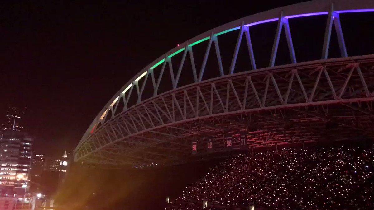 Fix You.... #ColdplaySeattle R42 https://t.co/WNmq9UuwHE