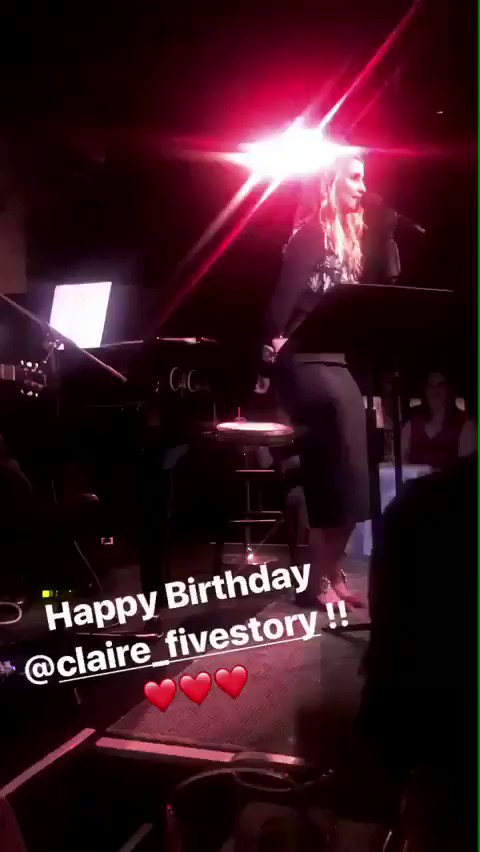 [VIDEO] @DiannaAgron singing last night at @CafeCarlyle @TheCarlyleHotel (via Isabel Wilkinson #Instagram stories ) https://t.co/q9xd0gJTgJ