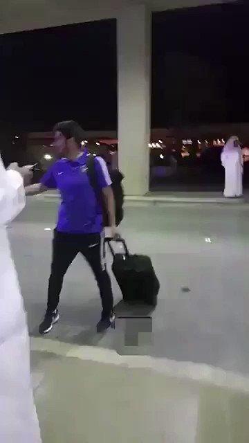 RT @IttiF8: يحسبه لاعب 😂😂😂😂😂 #الهلال_بيرسيوليس https://t.co/HFqMw70ten