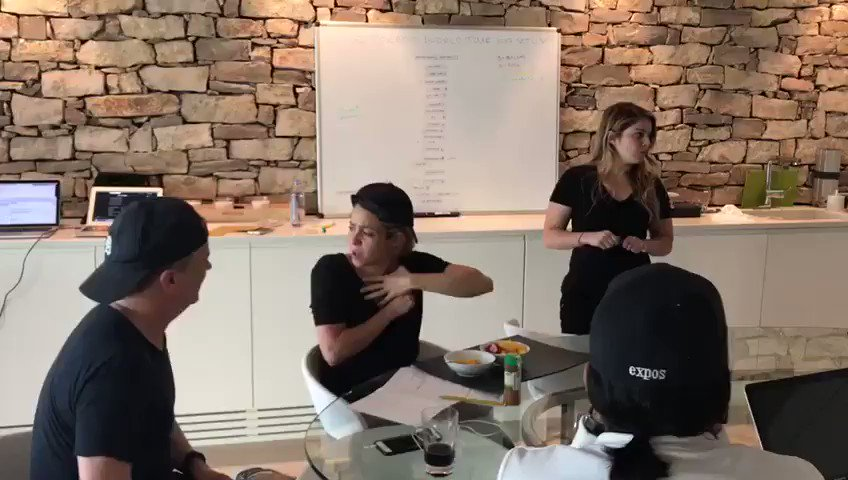 This is how crazy my life is! I'm thinking of ideas for my show but my team is not listening to me! �� Shak https://t.co/VxYKnRbiXU