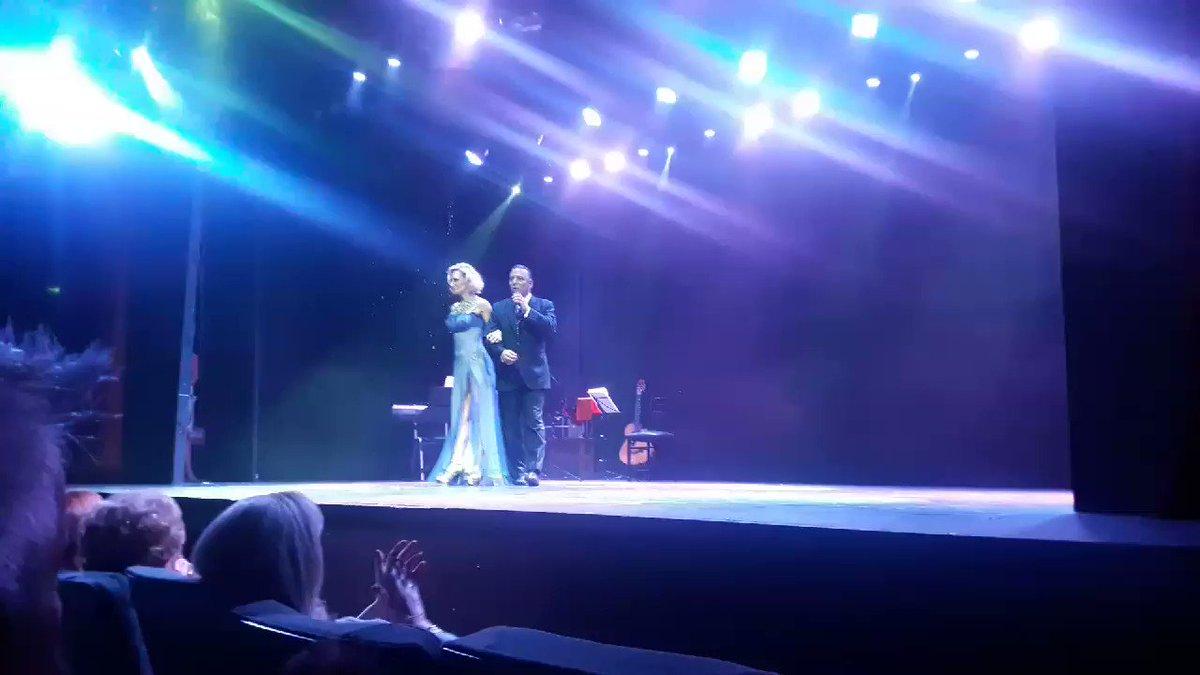 #FelizJueves #Backstage de #RaizYTango #GhidoneTango @AndreaGhidone @AstrosTeatro #AndreaEsTango #VamosArgentina https://t.co/NjPllLLmXr