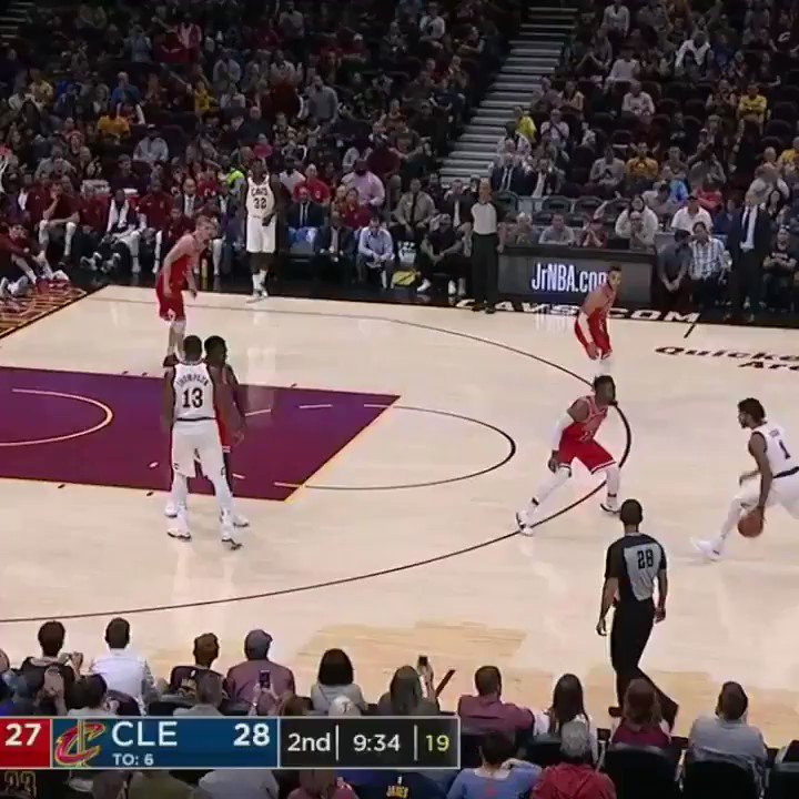 The mid-air hand switch. �� https://t.co/akErP4MN10