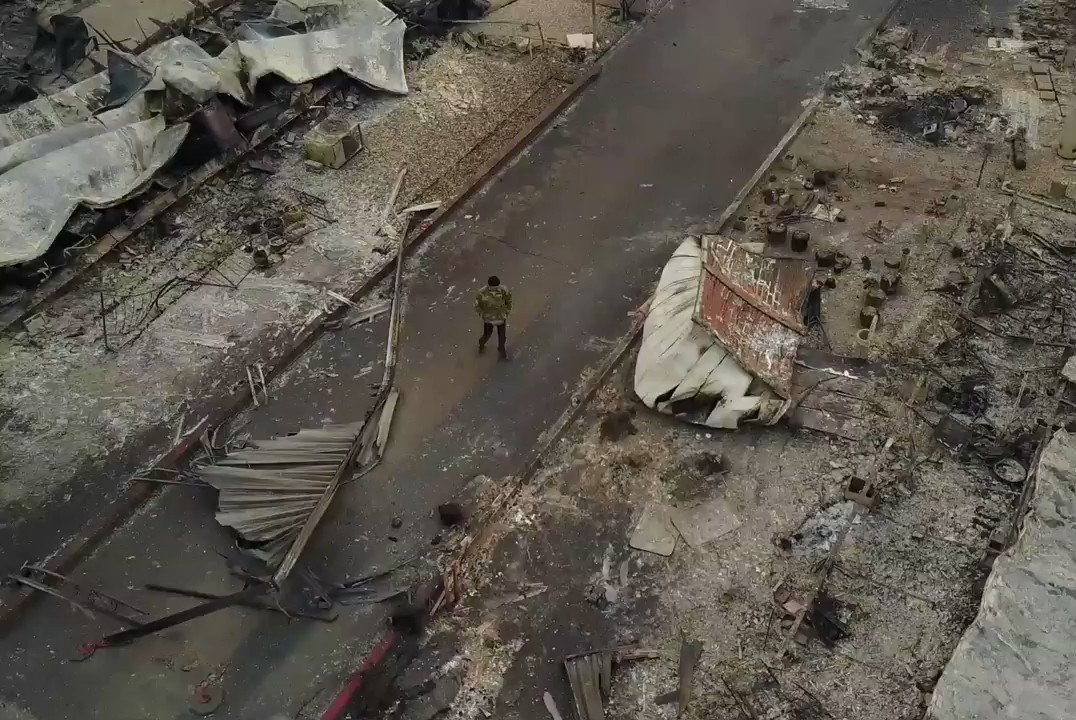The California fires, seen in drone footage from above https://t.co/xqW1bbEbF8 https://t.co/PkwrW62rqC