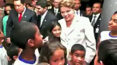 RT @1PseudoHumano: Dilma Lispector - Dia das crianças #felizdiadascriancas https://t.co/ahLQetk272