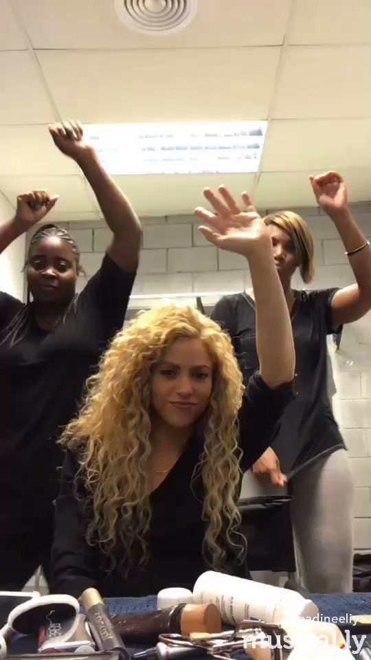 My glam team doubling as dancers for my tour. What do you guys think? Hired?? Shak https://t.co/ssPmCERNGC