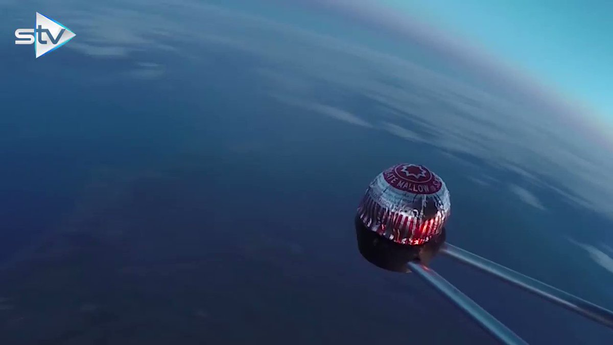 RT @STVNews: WATCH: Tunnock's Teacake launched 121,000ft to edge of space https://t.co/eleCXSZKgN https://t.co/27CIksLpFY