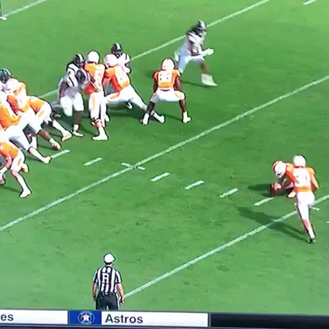 RT @World_Wide_Wob: The holder may have just saved this Tennessee kicker's life https://t.co/VA0QkynPQ5