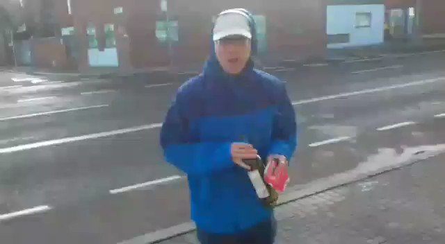 #HurricaneOphelia taking the piss (having fun) as the storm hits #Dublin #Ireland https://t.co/XyzROb1GbG