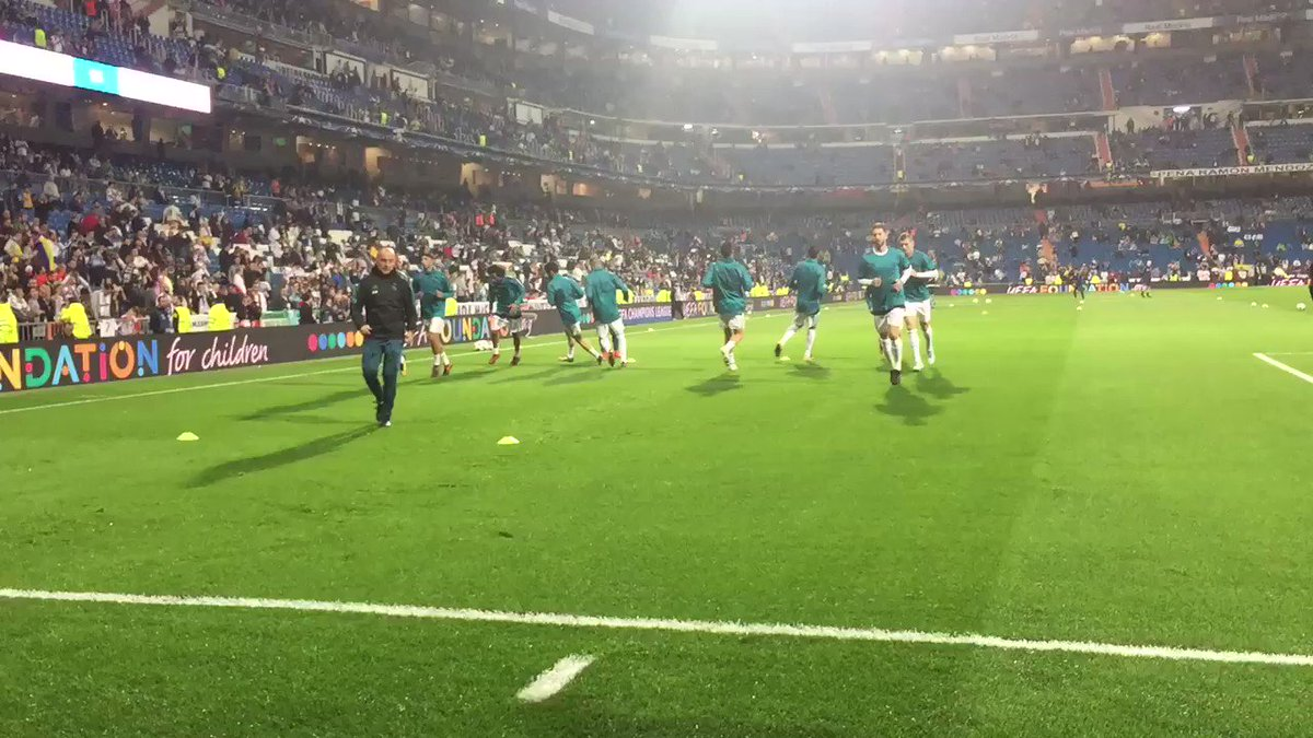 ������ #RMUCL Our warm-up is underway! Not long to go until kick-off... https://t.co/YBowexZopN