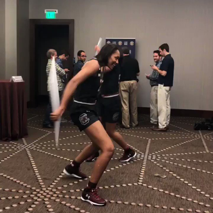 That's a wrap on #SECTipoff for the #Gamecocks! @dawnstaley https://t.co/Ew3NIO93wa